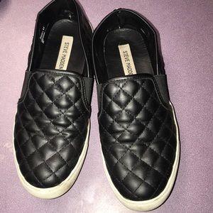 Black Steven Madden slide on shoes